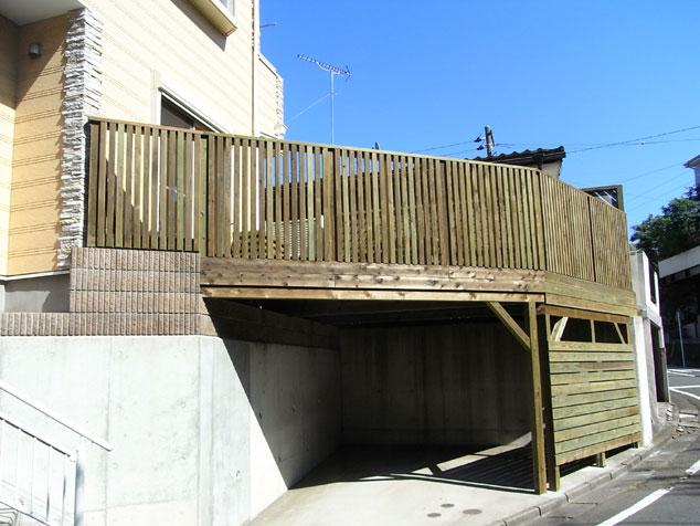 神奈川県横須賀市の車庫上・ガレージウッドデッキ施工例