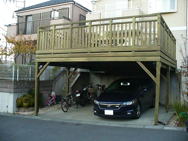 神奈川県横浜市栄区の車庫上・ガレージウッドデッキ施工例