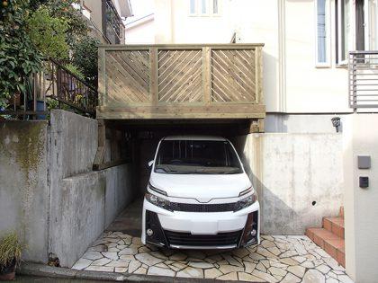 神奈川県横浜市磯南区の車庫上・ガレージウッドデッキ施工
