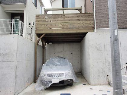神奈川県横浜市保土ヶ谷区の車庫上・ガレージウッドデッキ施工例