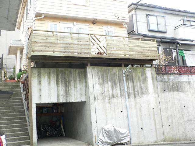 神奈川県横浜市戸塚区の傾斜地・ハイデッキウッドデッキ施工