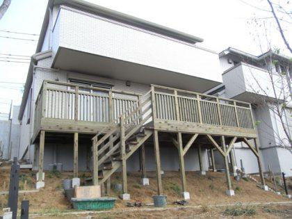 神奈川県横浜市旭区の傾斜地・ハイデッキウッドデッキ施工