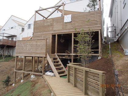 神奈川県横浜市都筑区の傾斜地・ハイデッキウッドデッキ施工