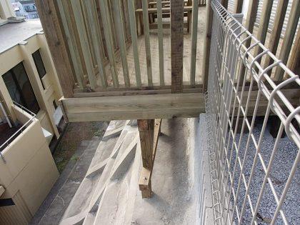 神奈川県横浜市金沢区の傾斜地・ハイデッキウッドデッキ施工例
