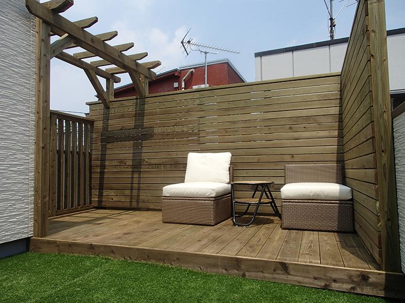 ウッドデッキ施工例 神奈川県川崎区 屋上ウッドデッキ、ウッドフェンス
