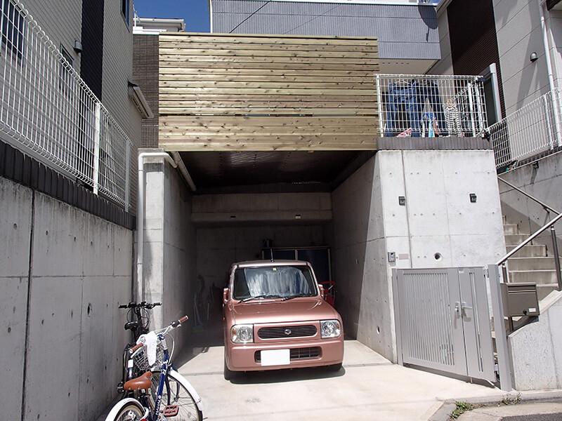 神奈川県横浜市鶴見区の車庫上・ガレージウッドデッキ施工例