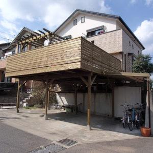神奈川県伊勢原の車庫上ウッドデッキ