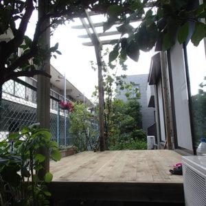 横浜市神奈川区 庭ウッドデッキ施工例