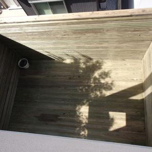 神奈川県横浜市都筑区 傾斜地ウッドデッキ施工