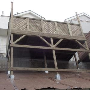 横浜市青葉区 傾斜地ウッドデッキ施工例
