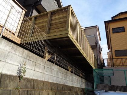 東京都多摩市 傾斜地ウッドデッキ施工
